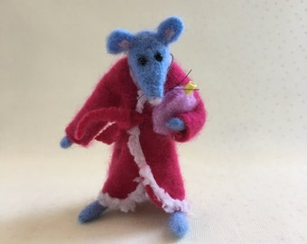 Mouse,Doreen...needle felted,miniature,collectible animal