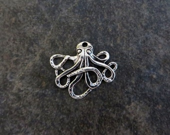 8 Octopus Charms Pendants Sea Monster Ocean Beach Cruise Silver Tone Sea Life Nautical jewelry Craft Supplies 24x21mm
