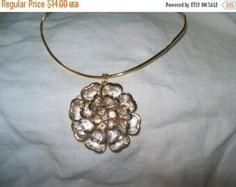50% OFF Vintage Goldtone flower pendant necklace, flower pendant,  choker necklace