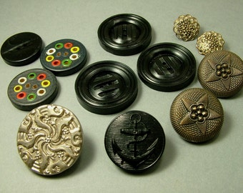 Collection of antique vintage Victorian - Art Deco 1920s, bakelite, painted wood, metal buttons - TW & W Paris, sewing, upcycle dress making