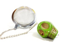 Tea Infuser with Green Skull Charm