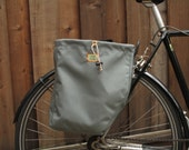 Set of two classic style bicycle pannier/bike bags in grey