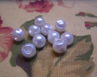 "Vintage 3/8"" White Pearlized Ball Buttons, Set of 10 (928)"