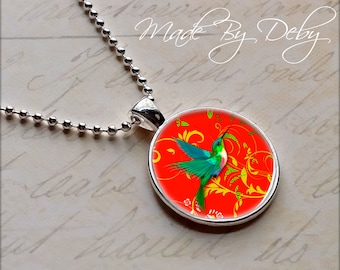Humingbird Round Pendant Necklace Silver Chain Choice of Design