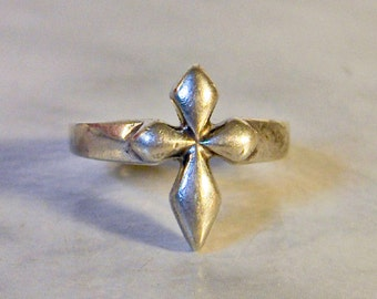 Sterling  Cross Ring,  size 6      Vintage  Crucifix