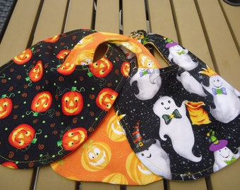 Hallowe'en Bibs .  Jack o lanterns on Black, Pumpkin Bib.  Ready to ship