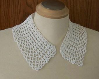 Vintage White Crochet Collar