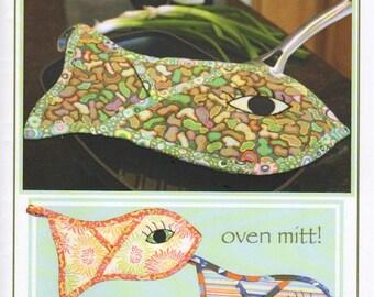 Fish in the Oven (mitt)!, Vanilla House Designs, Oven Mitt Pattern, DIY Pattern