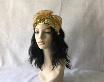 Gold Vintage Half Hat, Gold Church Hat with Large Bow, Gold Sequin Fascinator Hat, Gold Wedding Hatinator, Gold hat, Pin Up, Retro Hat