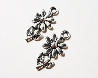 Silver Flower Charms 19x10mm Antique Silver Daisy Charms, Flower Pendants, Garden Charms, Floral Charms, Metal Charms for Jewelry, 10pcs