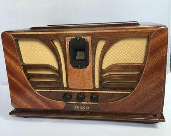 New Bluetooth Speaker Art Deco - looks like vintage Philco Radio