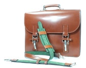 Russell 1051: Chestnut English Bridle Leather Green Calf Suede Lining