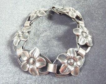 Sterling Silver Flower Panel Bracelet B51