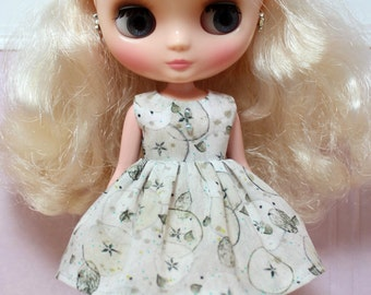 BLYTHE Middie doll Its my party dress - LIBERTY winter apples
