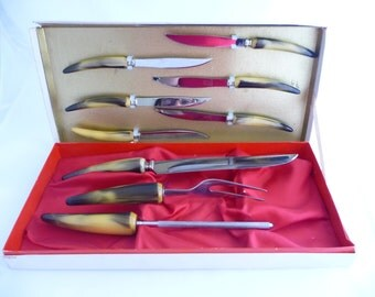 Sheffield Carving Set with Bake Lite Handles And Steak Knives, Butterscotch Handles