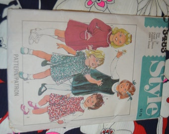 Style 3483 CHilds Pullover Dress or Pinafore Sewing Pattern - Size 6 - UNCUT