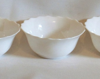 Three Arcopal White Swirl Bowls 70's Vintage