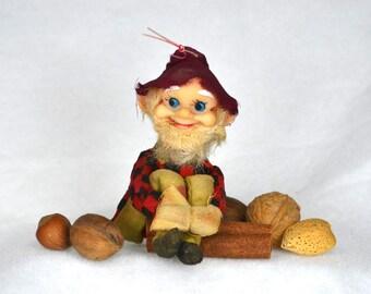 Jestia Hillbilly Grandpa Knee Hugger, Rustic Christmas Elf in Checkered Shirt, Japan Pixie Xmas Figure
