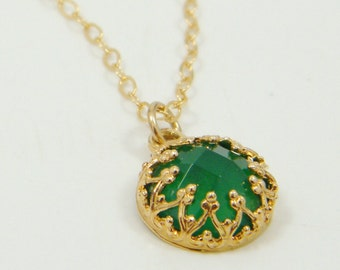 Emerald necklace, Gold filled necklace, Green stone necklace, Agate pendant necklace, Gift for women, Green agate, Birthstone jewelry