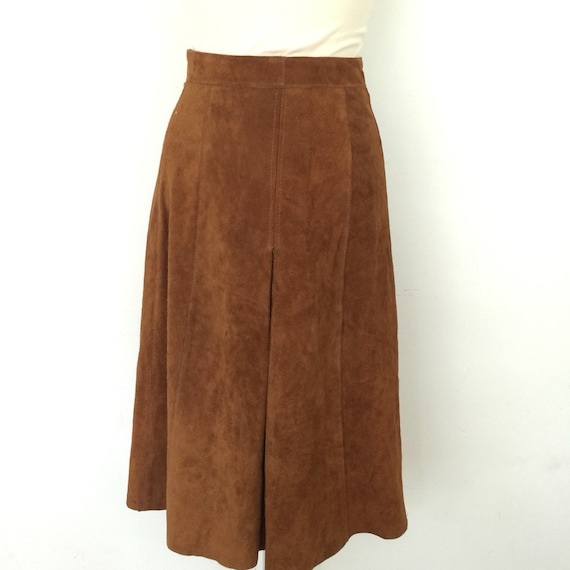 "1970s suede skirt A line brown real leather knee length UK 10 26"" waist 70s hippy boho chestnut vintage winter front pleat midi skirt"