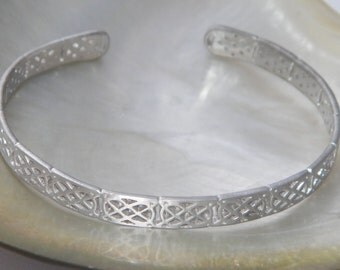 New HandMade Irish Celtic Knot .925 Sterling Silver Bangle Bracelet Satin Finish