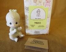 Vintage 1983  Jonathan & David Precious Moments Baby Figurine - E-2852/D- Enesco