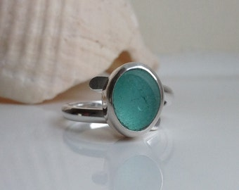 Handmade Sterling silver and sea glass twist ring - size UK K US 5.5