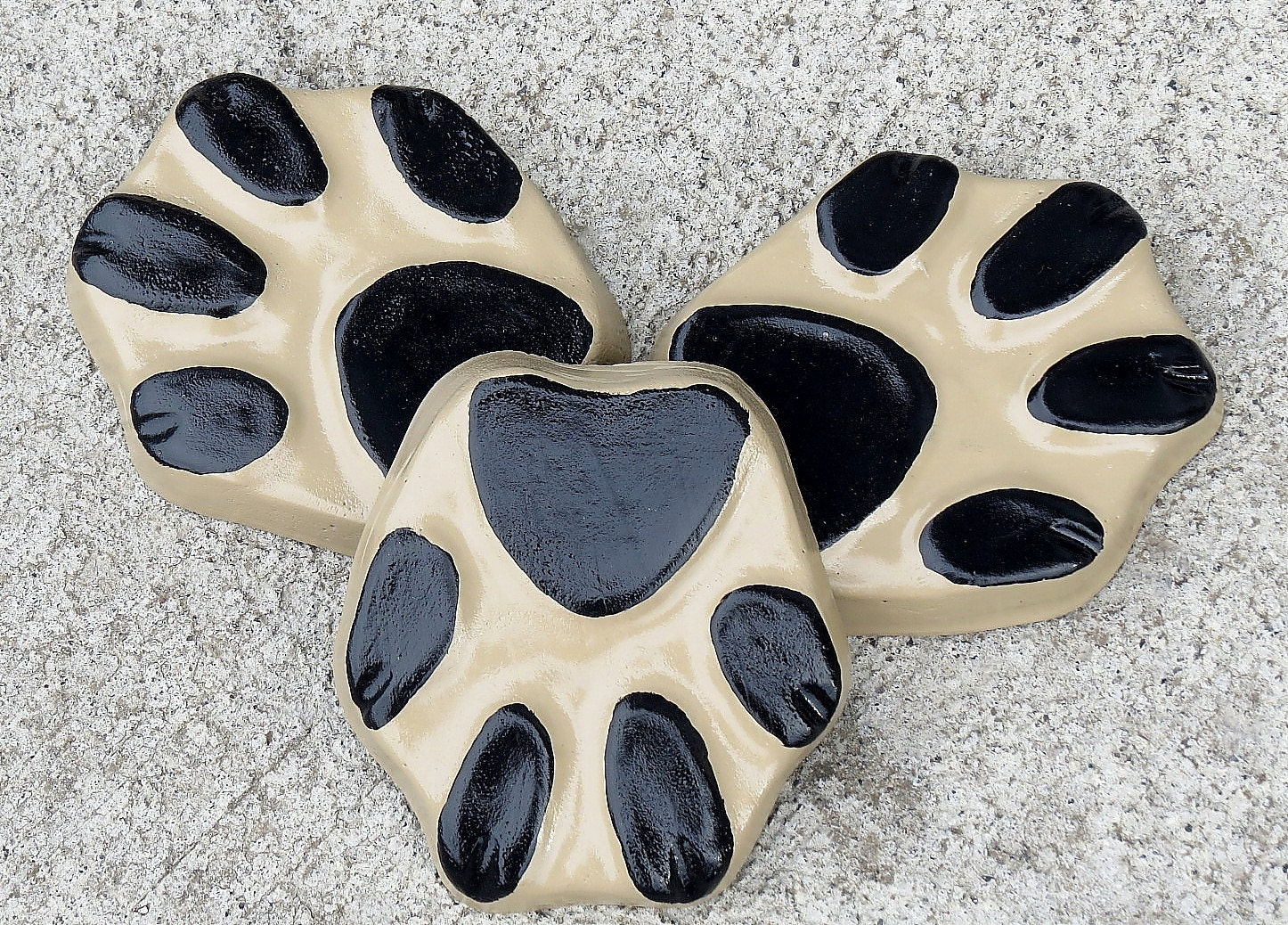 Dog Paw Print Planter Feet, Pot Feet, Dog Print, Yard Art, Patio Decor,  Black, Tan, Plant Stand