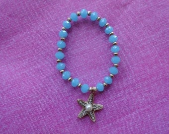 Starfish blue glass bead bracelet