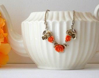 Flower Necklace, Peach Flowers, 1950s Necklace, Bridesmaid Necklace, Spring Jewelry
