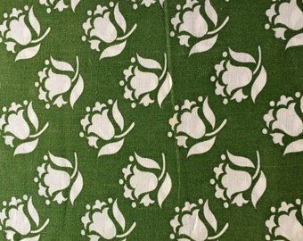 Swedish retro vintage fabric. Mod floral pattern. Good condition and nice green colors. 70s mod stylized flowers