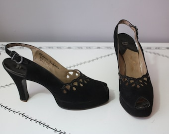 1940's Peep Toes // Cut Out Suede & Studs // 8.5 -9