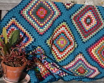 Katmandou : Gorgeous new afghan blanket or throw, 100% pure wool, crocheted  granny squares, turquoise edges