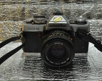 Minolta XG2 SLR 35mm Film Camera w/ 50 mm 1:1.7 f/1.7 Lens
