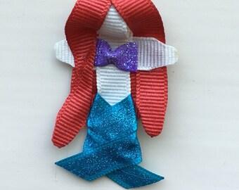 Ariel ribbon sculpture bow