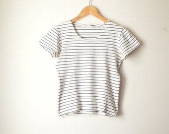 black and white striped cropped tshirt  90s // S