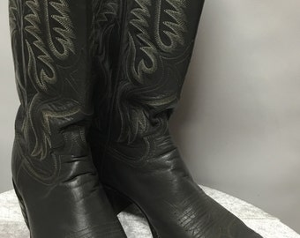 Justin Boots in size 9.5B
