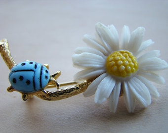 Vintage Daisy Pin - women's accessories - nature accessories