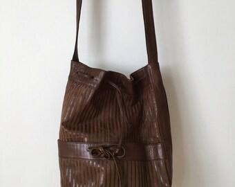 Gorgeous 70's La Boutique d'Emilia Brown Bag