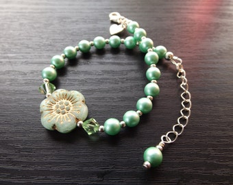 Green Czech Glass Flower Bracelet