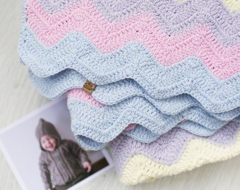 Bamboo Colour Knitted Baby Blanket / Birthday gift / Pink baby blanket / Hand knit blanket