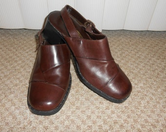 Vintage 80's Brown Leather Clogs / Sling Back - Size 8
