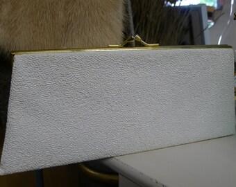 White texture vinyl clutch handbag : lined in navy blue [MV]