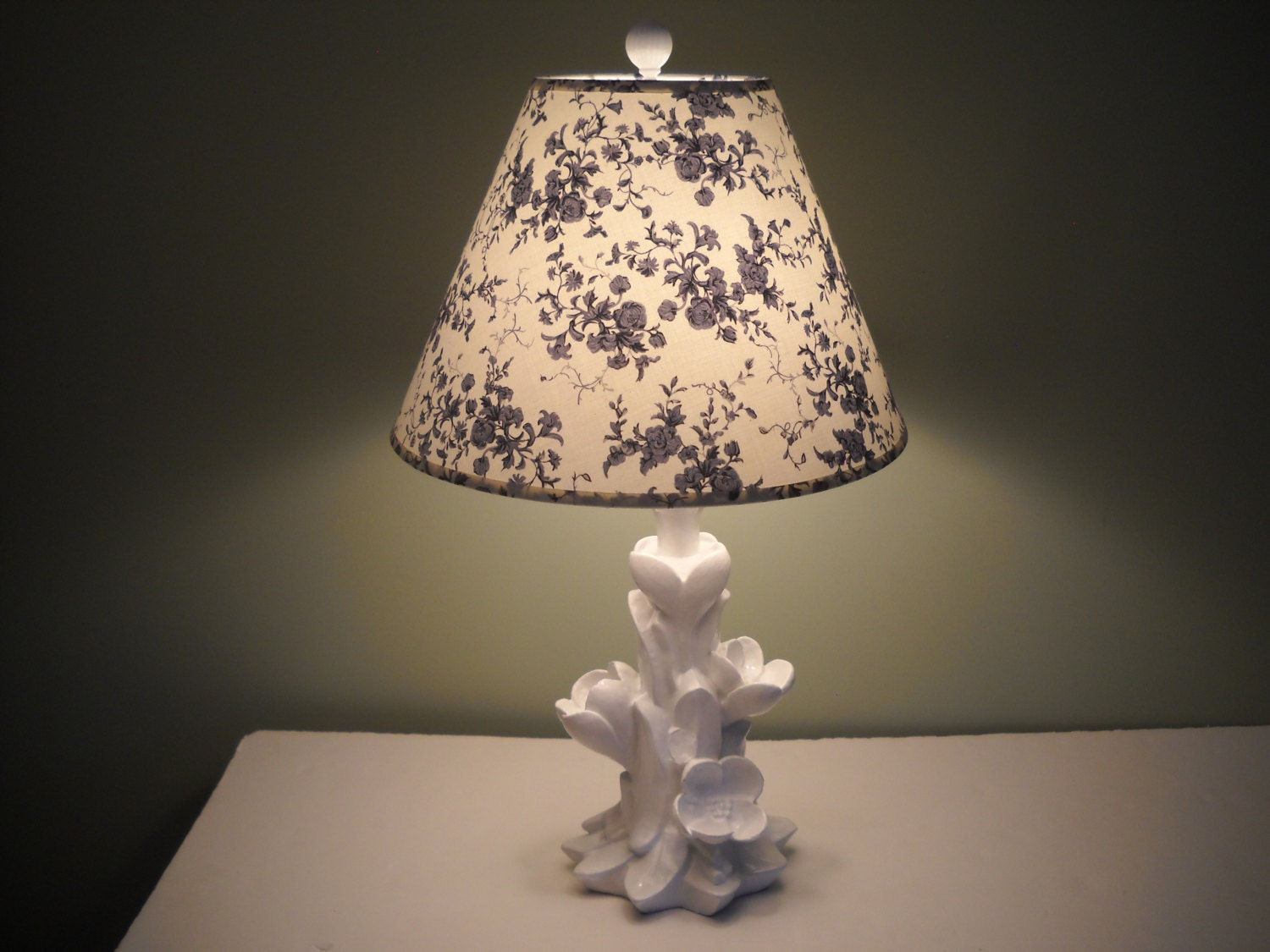 blue and white flowered table lamp. Black Bedroom Furniture Sets. Home Design Ideas