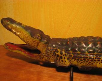 Vintage Chein Wind Up Litho Alligator Toy