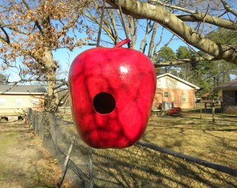 Red Apple gourd birdhouse
