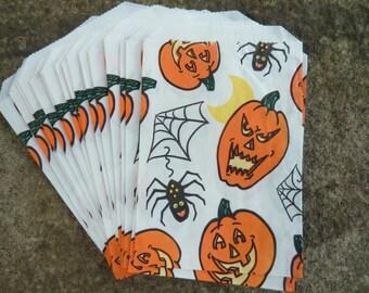 17 Vintage Halloween Treat Favor Bags Paper