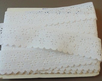 Vintage White Lace Trim 1 Yard Vintage Sewing Notions Sewing Supplies Vintage White Trim Sewing Lace Sewing Items