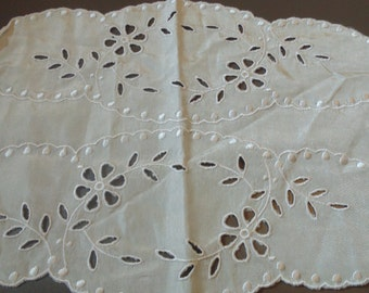 Vintage Off White Silky Cotton Doily Vintage Doilies Vintage Decor Doily Runner