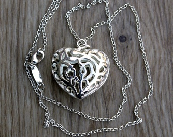 Vintage sterling silver puffy heart pendant necklace